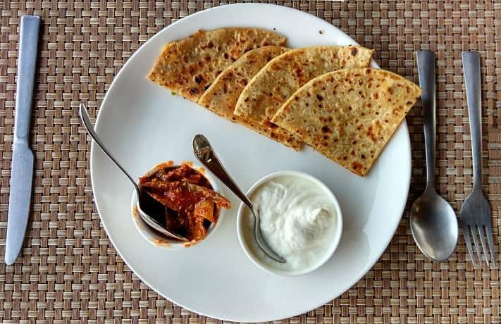 Aloo paratha recipe in hindi indian food recipes aloo ka paratha recipe forumfinder Image collections