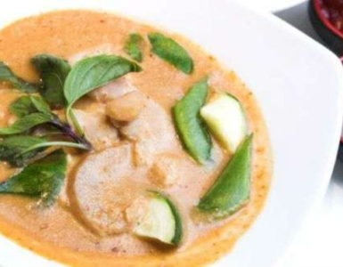 Vegetable Thai Red Curry Recipe in Hindi