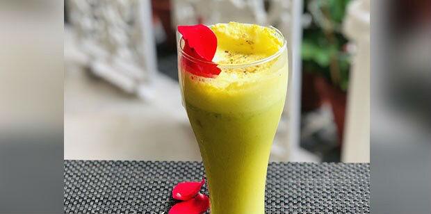 Kesar Gur Aur Bhang Ki Lassi Recipe