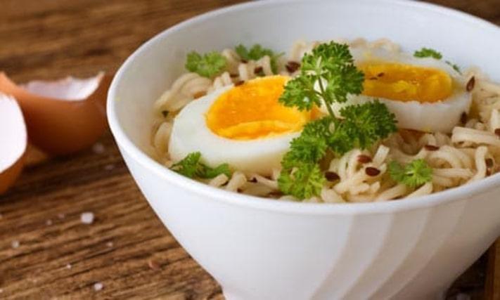 Egg Hakka Noodles Recipe