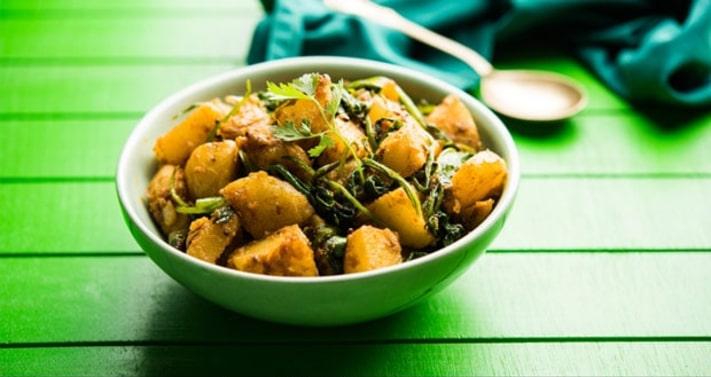Aloo Hare Lehsun Ki Sabzi Recipe